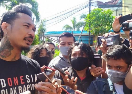 Nusabali.com - polda-metro-jaya-tetapkan-jerinx-sebagai-tersangka