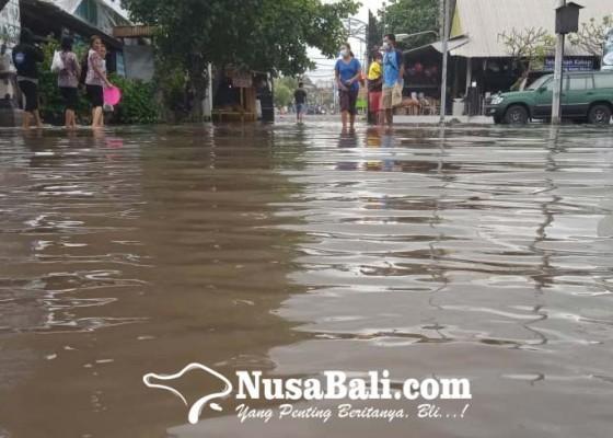 Nusabali.com - banjir-rob-genangi-wisata-kuliner-pantai-lebih