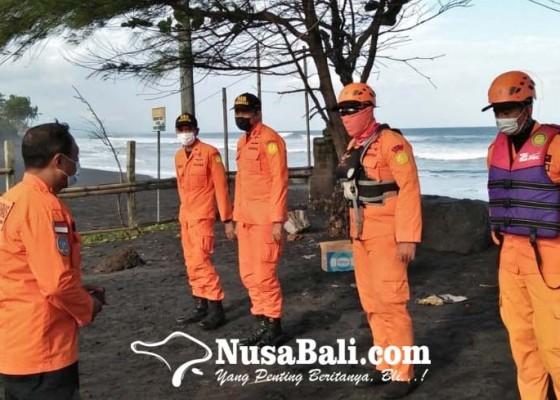 Nusabali.com - rubber-boat-terhadang-ombak-ganas-drone-dikerahkan-dalam-pencarian-korban-pantai-pering