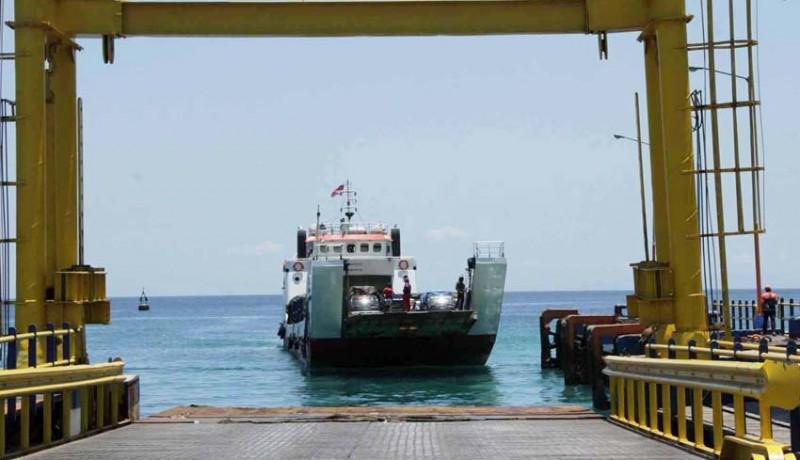 www.nusabali.com-pelabuhan-padangbai-sempat-tutup