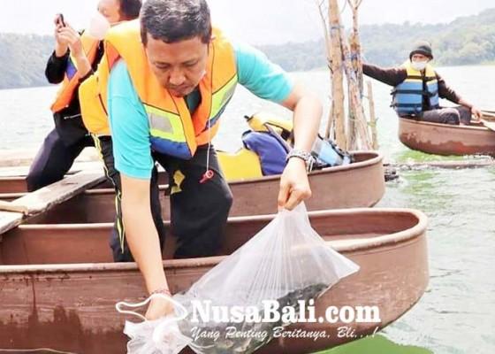 Nusabali.com - dkpp-lepas-20000-bibit-ikan