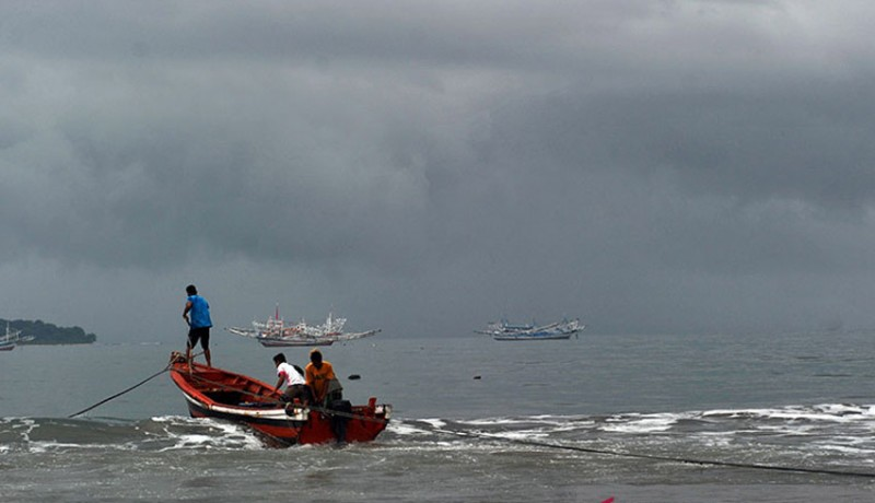 www.nusabali.com-bmkg-issues-warning-of-extreme-weather-in-parts-of-indonesia