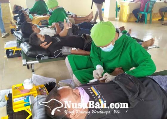 Nusabali.com - golkar-gianyar-badung-gelar-donor-darah-berhadiah-sembako