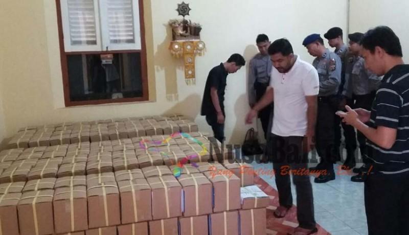 www.nusabali.com-surat-suara-pilkada-buleleng-dapat-pengawalan-10-polisi-full-24-jam