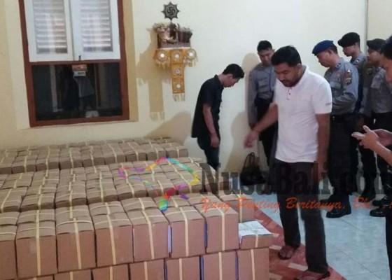 Nusabali.com - surat-suara-pilkada-buleleng-dapat-pengawalan-10-polisi-full-24-jam