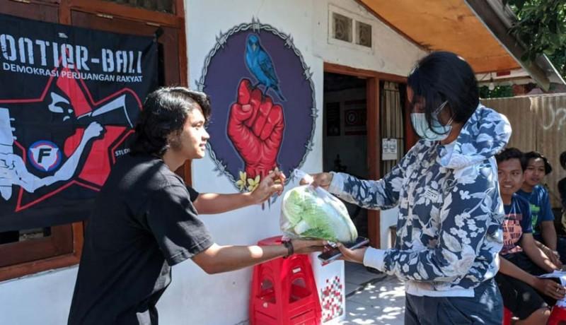 www.nusabali.com-frontier-bagikan-sembako-untuk-mahasiswa-perantauan