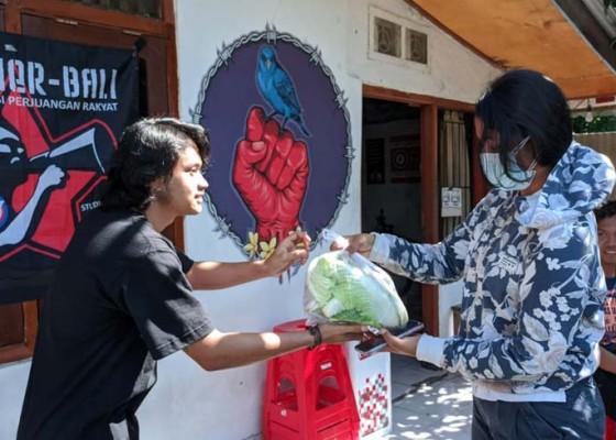 Nusabali.com - frontier-bagikan-sembako-untuk-mahasiswa-perantauan