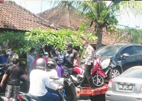 Nusabali.com - sopir-ngantuk-dua-mobil-dan-dua-motor-lakalantas
