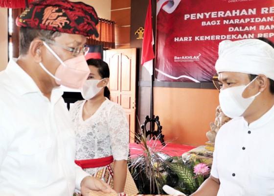 Nusabali.com - 158-warga-binaan-lapas-singaraja-terima-remisi