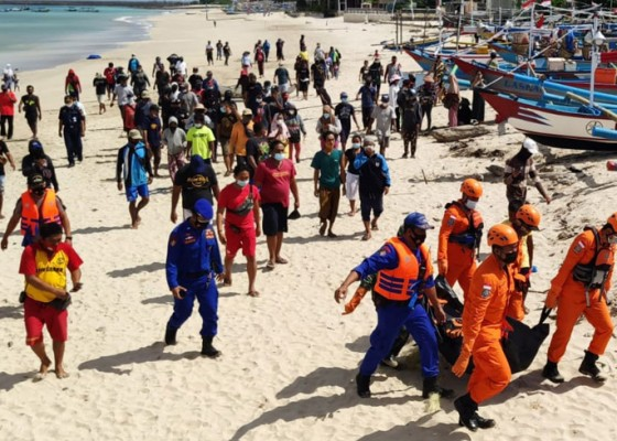 Nusabali.com - jenazah-mr-x-mengambang-di-pantai-kedonganan