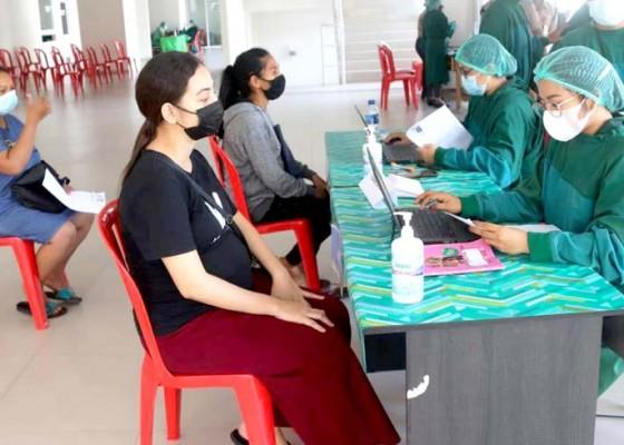 Nusabali.com - badung-mulai-vaksinasi-ibu-hamil