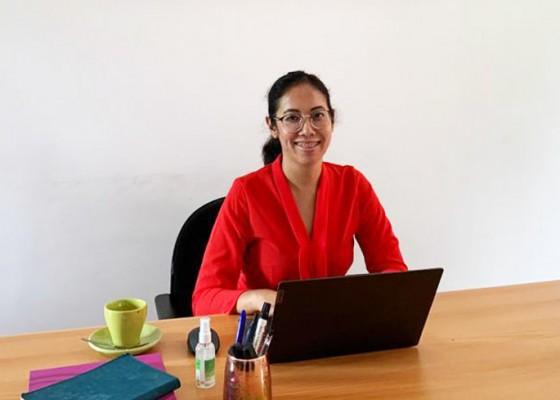 Nusabali.com - ayu-saraswati-ajak-semua-insan-pariwisata-bekerjasama