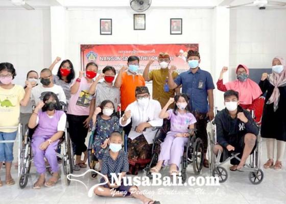 Nusabali.com - anak-berkebutuhan-khusus-dapat-bingkisan-dari-itdc