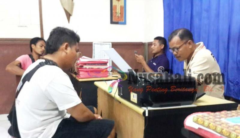 www.nusabali.com-penunggu-pasien-rs-sanglah-kena-bogem