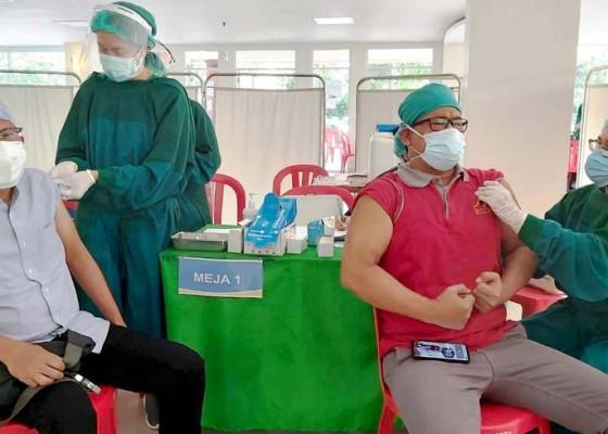 Nusabali.com - 301-nakes-belum-vaksinasi-dosis-ketiga