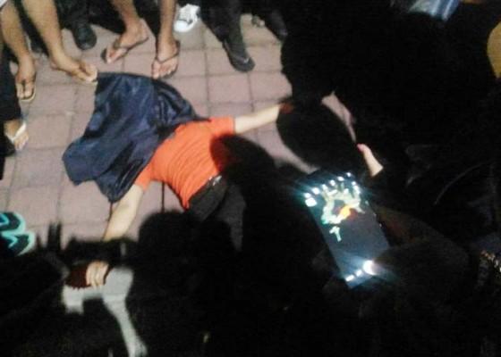 Nusabali.com - tabrak-bus-parkir-karyawati-tewas