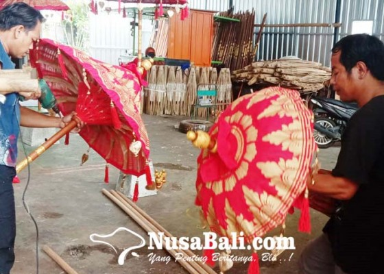 Nusabali.com - payung-made-in-kapal-diminati-orang-asing
