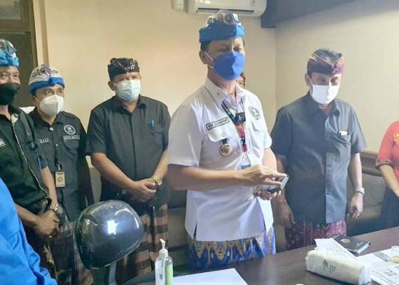 Nusabali.com - calon-kelian-dan-prajuru-desa-adat-pecatu-dites-urine