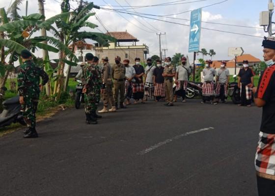 Nusabali.com - banyu-pinaruh-petugas-gabungan-awasi-sejumlah-pantai