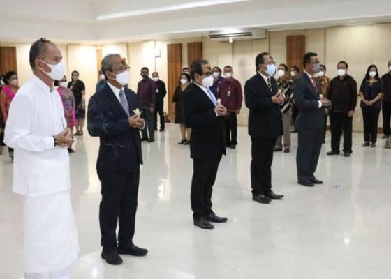 Nusabali.com - empat-wakil-rektor-unud-dilantik