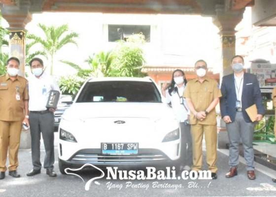 Nusabali.com - pln-up3-bali-selatan-perkenalkan-inovasi-mobil-listrik