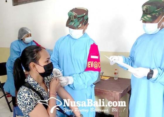 Nusabali.com - polres-bangli-gelar-vaksinasi-sasar-warga-tercecer