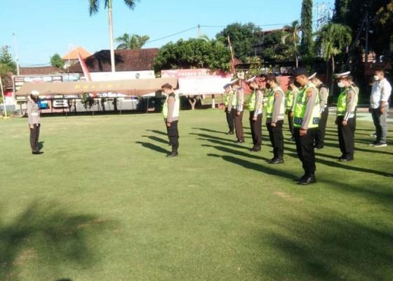 Nusabali.com - 240-personel-polres-gianyar-awasi-area-pantai-di-hari-raya-pagerwesi