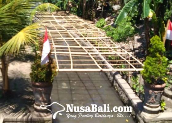 Nusabali.com - spontanitas-bersih-bersih-sungai-berujung-terbentuknya-komunitas-kali-bersih-empelan-terbin