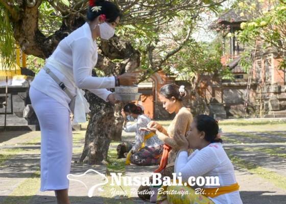 Nusabali.com - sembahyang-pagerwesi-di-pura-jagatnatha-masih-dibatasi
