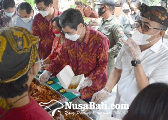 Nusabali.com - yayasan-bina-ilmu-bali-bantu-bahan-pangan-ke-dapur-gotong-royong