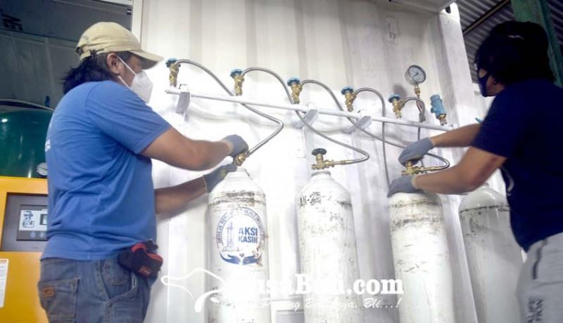 www.nusabali.com-pengisian-oksigen-gratis-untuk-pasien-covid-19