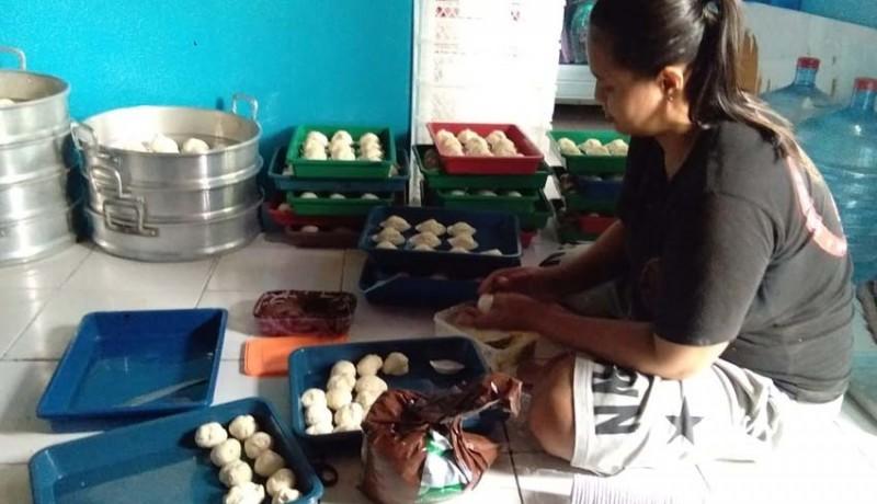 www.nusabali.com-usaha-menggiurkan-jajanan-pasar-omzet-bisa-tembus-rp-1-juta-per-hari