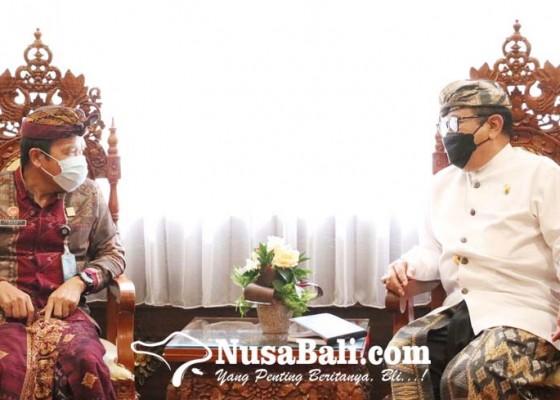 Nusabali.com - wagub-dan-kemenkumham-bahas-penertiban-orang-asing