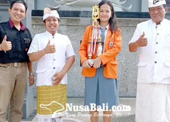 Nusabali.com - naskah-semakin-dalam-antarkan-siswi-sman-1-tabanan-raih-perak
