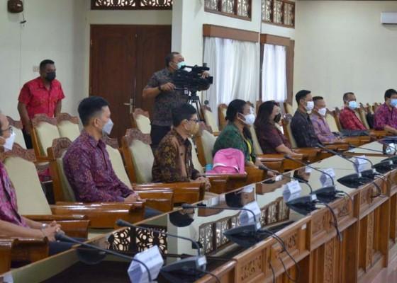 Nusabali.com - komisi-iv-tuntaskan-uji-kelayakan-10-calon-kppad-bali