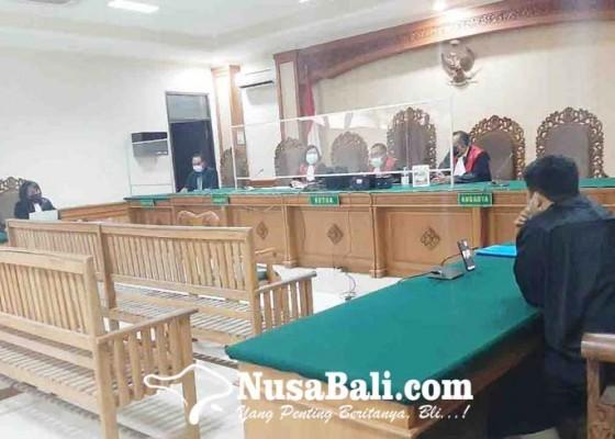 Nusabali.com - pegawai-bank-pelat-merah-dituntut-7-tahun