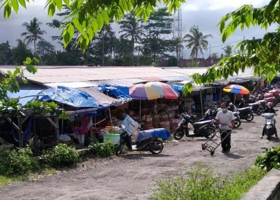 Nusabali.com - pasar-samplangan-makin-lengang