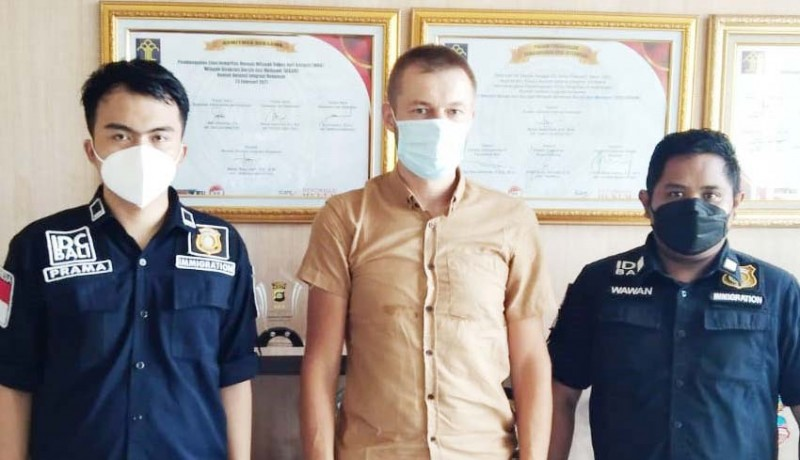 www.nusabali.com-seorang-wna-rusia-dideportasi-ke-negaranya
