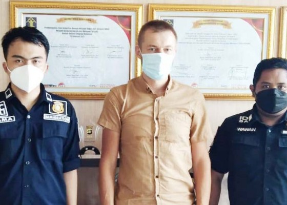 Nusabali.com - seorang-wna-rusia-dideportasi-ke-negaranya