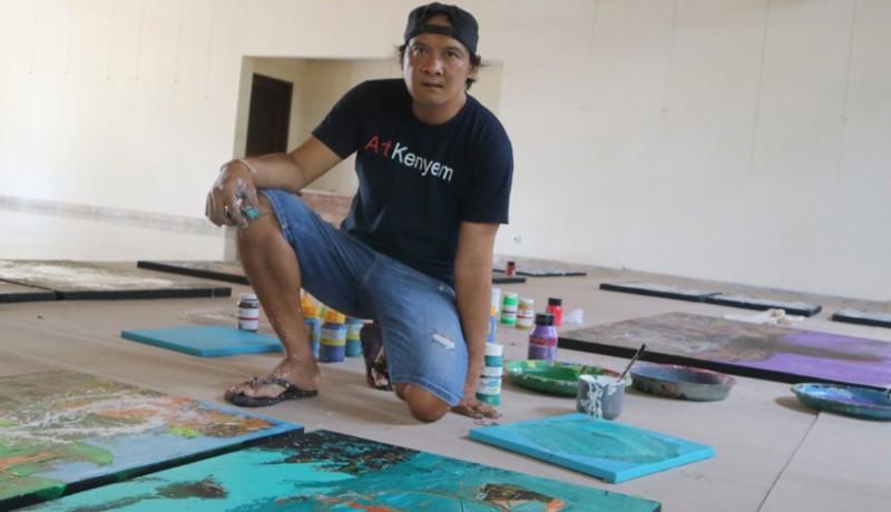 www.nusabali.com-perupa-kenyem-melukis-24-jam-nonstop-dan-pamerkan-karya-di-komaneka-ubud