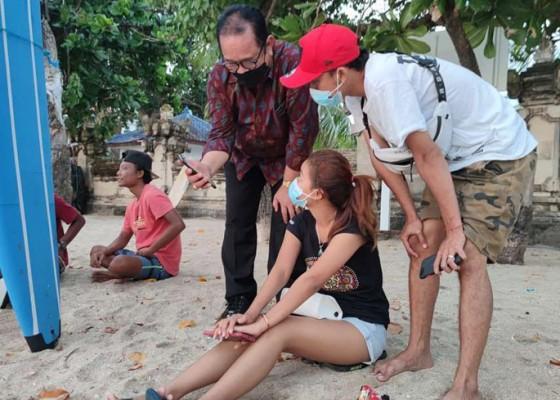 Nusabali.com - uji-coba-pembukaan-tempat-wisata-wagub-cok-ace-blusukan-ke-pantai-kuta