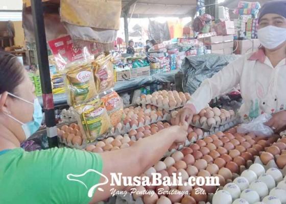 Nusabali.com - harga-telur-ayam-ras-anjlok