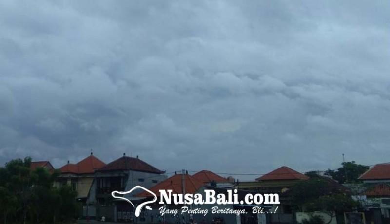 www.nusabali.com-bali-diselimuti-awan-tebal-waspada-potensi-hujan-lebat-disertai-petir