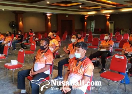 Nusabali.com - kongres-pssi-denpasar-sahkan-dua-anggota-baru