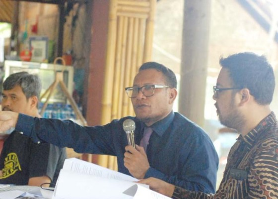 Nusabali.com - tiga-hakim-pn-gianyar-dilaporkan-ke-ky-dan-bawas-ma