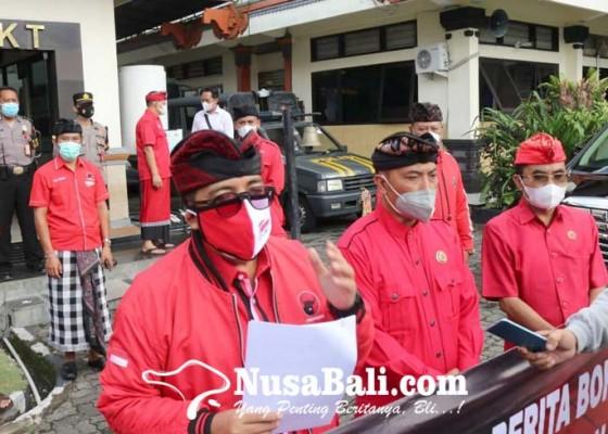 Nusabali.com - dpc-pdip-tabanan-polisikan-12-akun-medsos-penyebar-hoax
