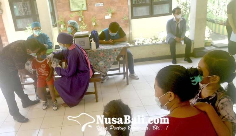 www.nusabali.com-112-siswa-sdn-3-sesetan-diimunisasi-campak