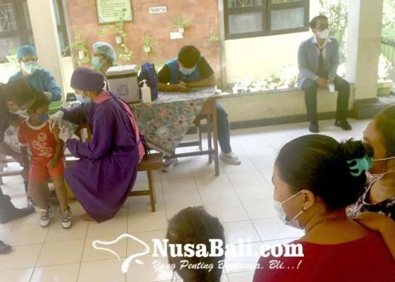 Nusabali.com - 112-siswa-sdn-3-sesetan-diimunisasi-campak