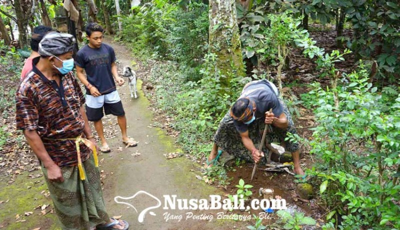 www.nusabali.com-meteran-dibongkar-suplai-air-warga-liligundi-lancar