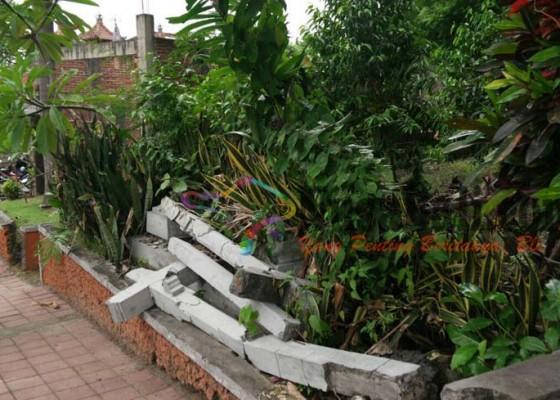 Nusabali.com - hutan-kota-semarapura-terbengkalai
